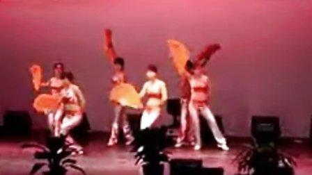 健美操表演。