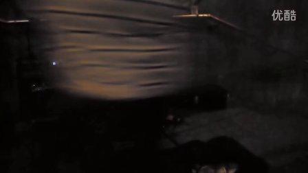 实拍长沙街头小培演唱零点乐队《爱不爱我》