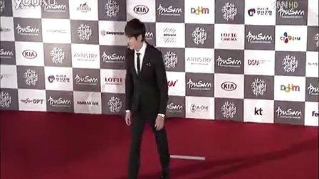 2012釜山电影节闭幕式红毯-刘延锡