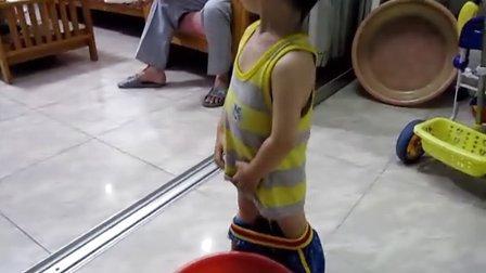 2岁4个月为为自己尿尿