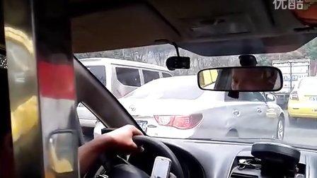 [最新]重庆发生枪击案 警方全城搜查
