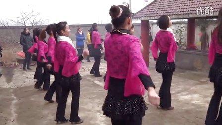 月食广场舞 溜溜的姑娘像朵花