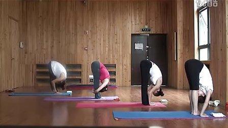 经纬健身培训学院康志文老师流瑜伽培训