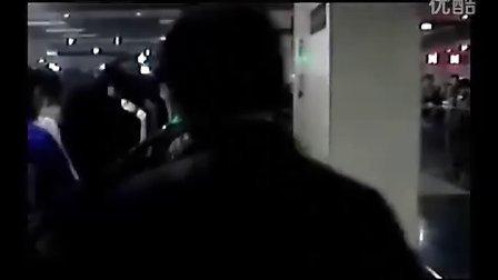 爆红歌曲《地铁四惠东》送给天下挤地铁的屌丝