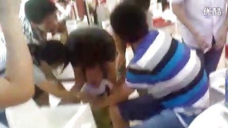 同学聚会时玩过火了。。