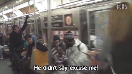国外点击量暴红的地铁另类搭讪美女法