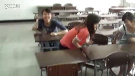 天津城市职业学院 地震模仿01