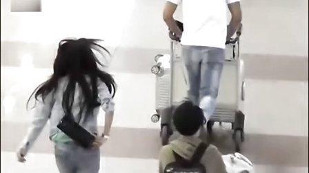 社会现象观察新闻视频:谢芷蕙日本拍少女写真 写情欲日记纪念陈冠希