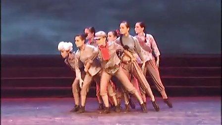 女子群舞《八女投江》演出:武警湖南总队政治部文工团
