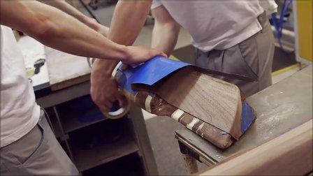 宾利奢华木纹内饰的手工制作过程