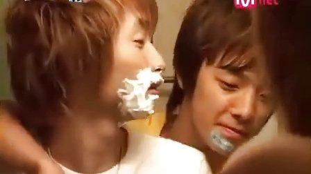 Eunhyuk and Donghae Kissing NG scenes[by ForeverShipEunhae]