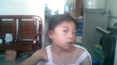 小女孩真爱自拍.太可爱了!