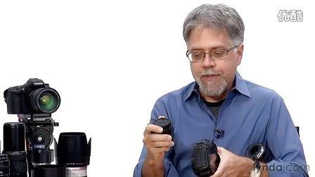 0104 Changing lenses