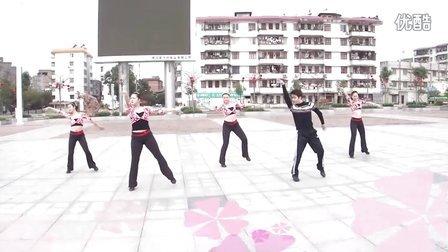 博白广场舞-《 山 里 红 》