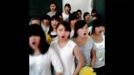 """遂宁市安居职中学生贺""""神九""""教室激情朗诵《我的祖国》"""