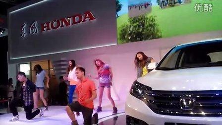 2012年重庆国际汽车工业展 现场舞蹈