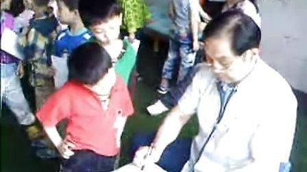 南昌市妇幼专家在青山湖区免费为儿童做六一体检