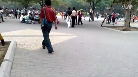 【手機拍客】端午節陶然亭公園被大爺大媽占領