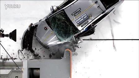 IIHS碰撞测试2014福特嘉年华三厢小型重叠IIHS碰撞测试