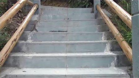 三江县人民建成通往革命纪念碑理石阶梯