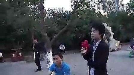 国内最神似模仿黄家驹(海阔天空)公园富九版