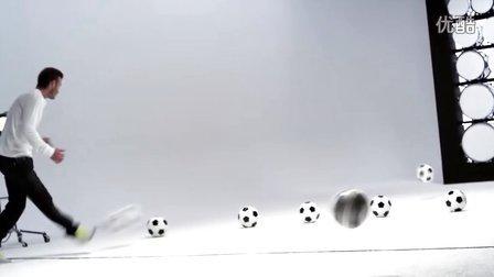 三星 Galaxy Note:贝克汉姆踢球演奏