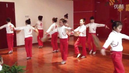 麻辣乖幺妹~赶脚很不错的一支舞蹈,女儿是领舞哦,继续努力!