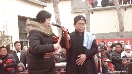 郓城农人歌手贾崇珍自办新年联欢会,黄集乡花鼓剧团加盟助阵。