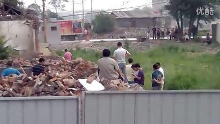 天津市河北区人民政府与河北区人民法院勾结黑势力抢夺辛庄大街私有房屋