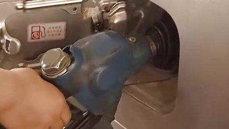 鬼秤有鬼很坑人 加油机投诉有误会 20120519 首都经济报道