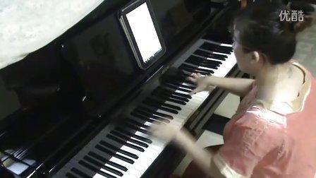 那英《白天不懂夜的黑》钢琴视_tan8.com