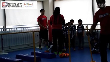巨石达阵青少年美式橄榄球俱乐部 跑锋脚法训练