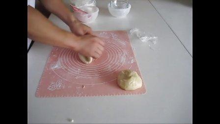 乐淘淘烘焙坊教学视频 酥皮月饼的制作方法