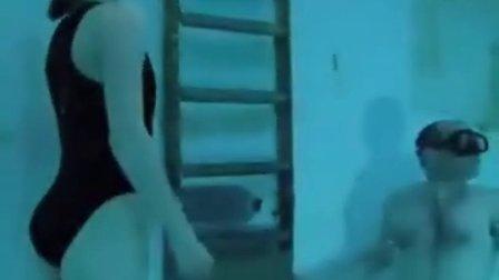 apnea girls in pool