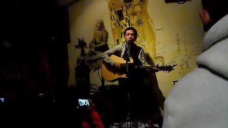 【小熊饼干乐队】主唱-小普《一个人看电影》-北京 蓝羊咖啡