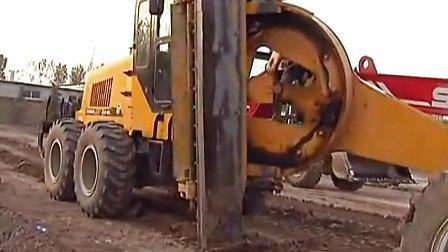 山东蓝翔技校挖掘机专业视频二:刮平机