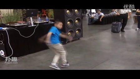【扑趣】9 year old bboy vs bgirl at the Magic Conventi