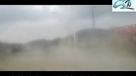 青岛2B青年驾雅诗图追保时捷惨被虐41秒亮了