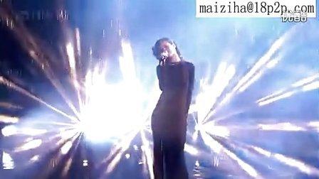 【九月】Rihanna英国偶像演出《Diamonds》雨中湿身诱惑