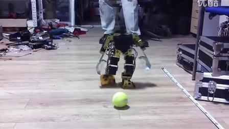 人形机器人投球训练2