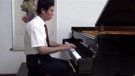 钢琴曲《小河淌水》片段