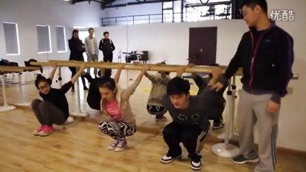 芮歌文化专业形体训练--锻炼学生爆发能力及体形塑造