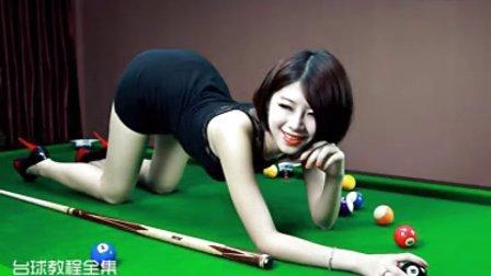 台球教程之打台球的美女图片