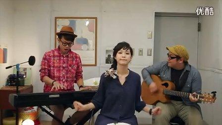美女翻唱AKB48【彩色格子布】,比原唱好听!