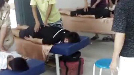 背部按摩培训教程(精)闽医堂针灸推拿学校2012年专业奉献