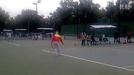 黑龙江网球届一朵奇葩。60岁功夫老人