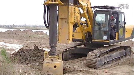 小型旋挖钻机施工