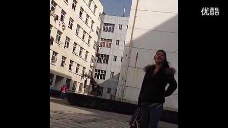 九江某高校惊险泼妇怒骂小三。小三名字qq,手机号码都曝出来了。
