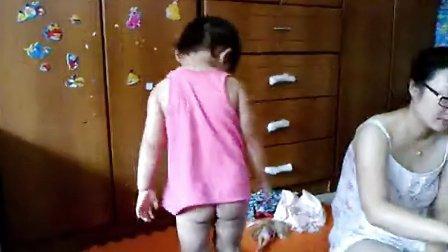 女儿2岁4个月