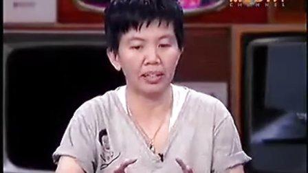 120823Aom Tina p'Nay Peii -Moddum on TV